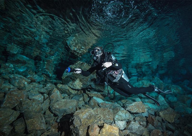 montenegro cave diving